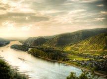 Rhen in Duitsland Andernach HDR royalty-vrije stock afbeeldingen