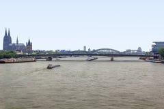 Rhen nära Cologne Arkivfoton