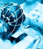Rheoencephalography, examen del flujo de sangre del cerebro Fotografía de archivo