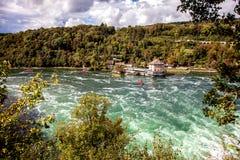 Rhine Falls - la cascada más grande en Europa, Schaffhausen, Suiza Imágenes de archivo libres de regalías
