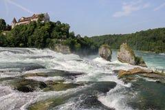Rhine Falls med Calst Laufen på bakgrunden royaltyfri fotografi