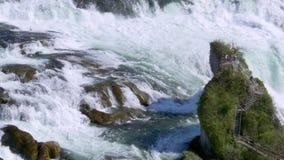 Rhine Falls p? Schaffhausen, Schweiz lager videofilmer