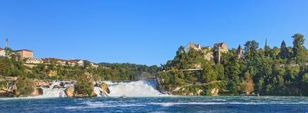 Rhine Falls y castillo Laufen Foto de archivo