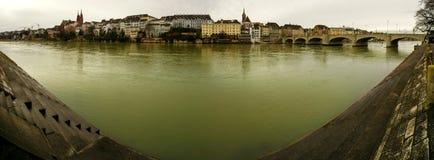 Rhine W Basel panoramie zdjęcia stock