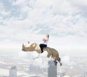 Rhinocéros de vol de femme photos libres de droits