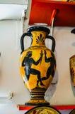 RHODES GREKLAND - Augusti 20, 2015: Keramiska produkter av moderna förlage av Grekland arkivbilder