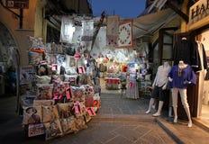 Rhodes Old-Stadtandenkeneinkaufen bis zum Nacht Griechenland Lizenzfreies Stockfoto