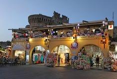 Rhodes Old-Stadteinkaufen bis zum Nacht Griechenland Lizenzfreie Stockfotografie