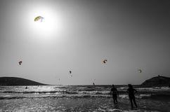 Rhodes plaża dla surfingowów w monochromu Zdjęcia Stock