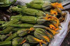 Rhodos-Markt Zucchini Lizenzfreie Stockfotos