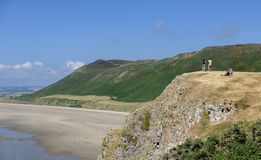 Rhossilibaai, Gower, Wales, op een zonnige de zomersdag royalty-vrije stock afbeelding