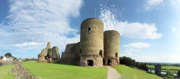 Rhuddlan slott - norr Wales Arkivbild