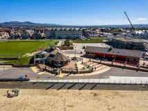 Rhyl Wales - April 20 2018: Konstruktionsplatsen fortskrider Royaltyfri Fotografi