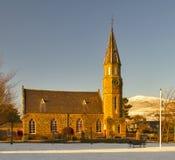 Rhynie församlingkyrka i vinter. fotografering för bildbyråer