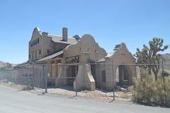 Rhyolith verlassenes Dorf nach dem Goldrausch sehr nah zu Death Valley Reise holydays Geologie lizenzfreie stockfotos