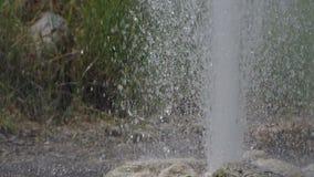 Rhythmus der Wassereruption für Geysir stock video footage