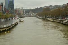 Ria De Bilbao Na Swój przepustce Guggenheim Nervion rzeką Natury podróży wakacje fotografia royalty free