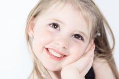 Ria uma menina no tiro do estúdio Fotos de Stock Royalty Free