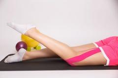Riabilitazione per la gamba danneggiata Fotografia Stock