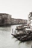 从Rialto桥梁,葡萄酒颜色的威尼斯 库存照片