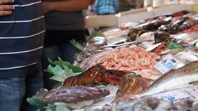 Rialto食品批发市场的场面在威尼斯(7 22) 影视素材