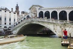 Rialto-Brücke in Venedig-Italien Lizenzfreies Stockfoto
