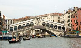 Rialto bridge and gondola Stock Photography