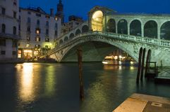 Rialto Bridge at night Royalty Free Stock Photos