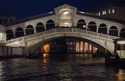Rialto bridge at night. The rialto bridge across the grand canal in venice, italy Royalty Free Stock Photos