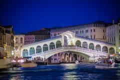 Rialto bridge at night, Venice, Italy Stock Images
