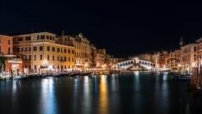 Rialto bridge by night royalty free stock photos