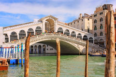 Rialto Bridge, oldest bridge across the Grand Canal of Venice Stock Photos