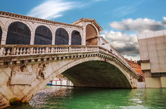 Rialto bridge (Ponte di Rialto) in Venice Stock Photo
