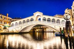 The Rialto bridge in Venice, night view royalty free stock photos