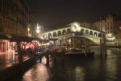 Rialto de Ponte à Venise - nuit Photo libre de droits