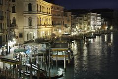Rialto Vaporetto stop, Venice - night scene Royalty Free Stock Images