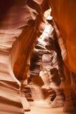 Riassunto: Strutture e curve di un canyon dell'arenaria Immagine Stock