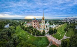 Riazan le Kremlin sur le lever de soleil Image libre de droits