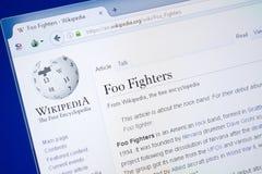Riazan, Russie - 19 août 2018 : Page de Wikipedia au sujet de Foo Fighters sur l'affichage du PC photographie stock