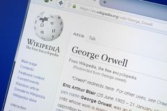 Riazan, Russie - 19 août 2018 : Page de Wikipedia au sujet de George Orwell sur l'affichage du PC photo stock