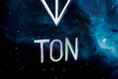 Riazan, Russie - 30 avril 2018 : Logo du réseau ouvert de télégramme - cryptocurrency de TONNE sur l'affichage du PC Photos libres de droits