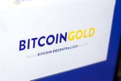 Riazan, Russie - 29 mars 2018 - page d'accueil de cryptocurrency d'or de Bitcoin sur l'affichage de PC, adresse de Web - bitcoing image libre de droits