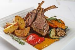 Rib Chops grillé par gourmet en gros plan Photo libre de droits