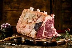 rib cote de boeuf牛肉片断与油脂的 免版税库存图片