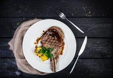 Rib-oog lapje vlees met graan Stock Afbeelding