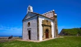 Ribadesella Ermita laGuia eremitboning Asturias Spanien royaltyfria bilder