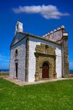 Ribadesella Ermita laGuia eremitboning Asturias Spanien royaltyfri fotografi