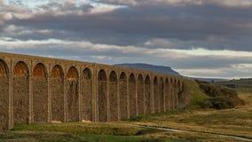 Ribblehead viadukt, North Yorkshire, UK royaltyfri fotografi