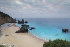 Ribeira在Sesimbra葡萄牙做Cavalo海滩 免版税图库摄影