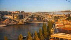 Ribeira, γέφυρα σιδήρου Luiz στο υπόβαθρο Στοκ Εικόνες